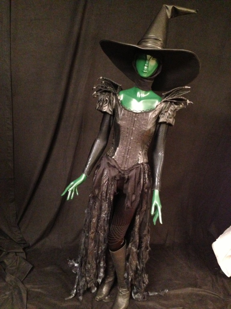 Wickedly Detailed Costumes in 'Oz the Great and Powerful'