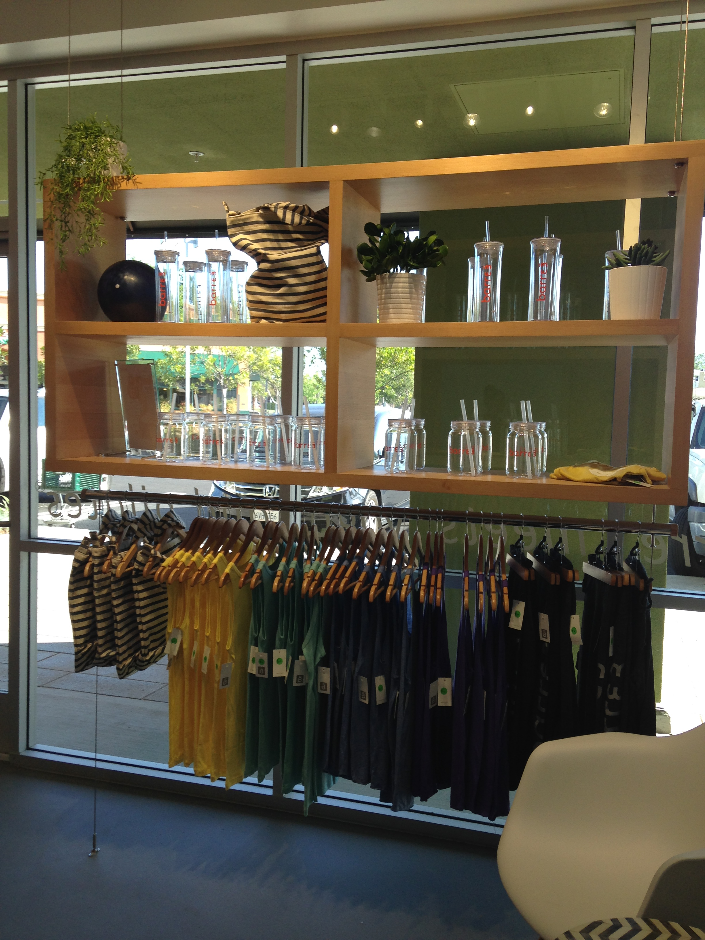 Clothes stores :: Core clothing store